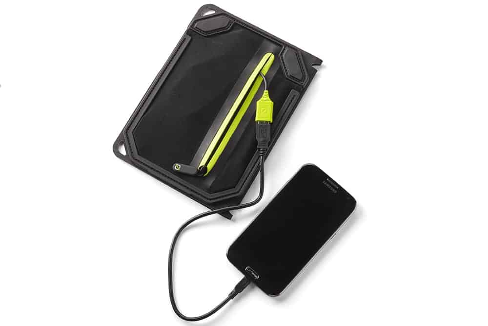 Nomad 7 Plus charging iPhone